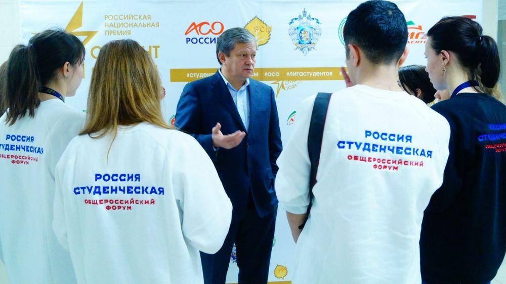 описывал как вступить в ассоциацию художников россии в москве проблему быстрого